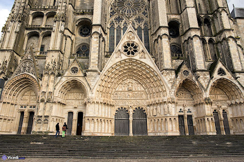 bourges1.jpg